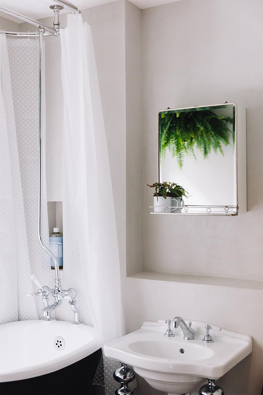 khoollect-hq-bathroom-1