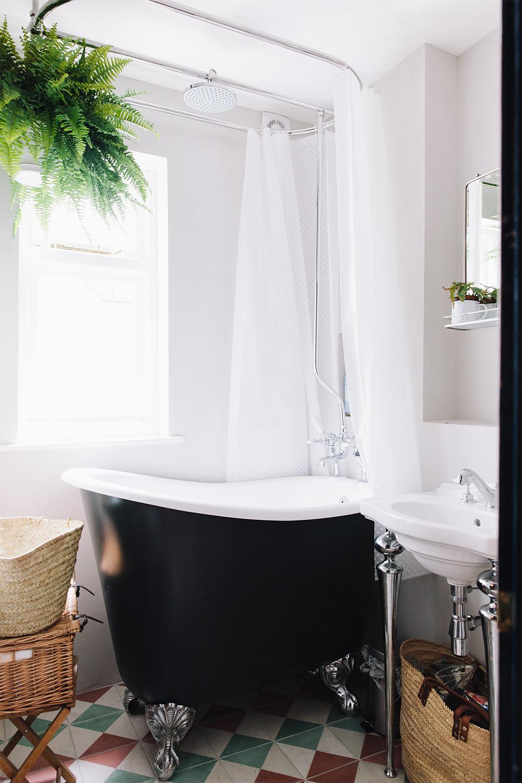 khoollect-hq-bathroom-2